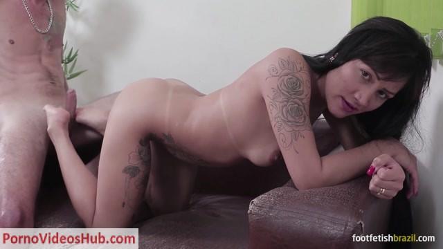 Watch Online Porn – Cute Girls Footjobs! – Perlla gives hot footjob! Cute soles! (MP4, FullHD, 1920×1080)