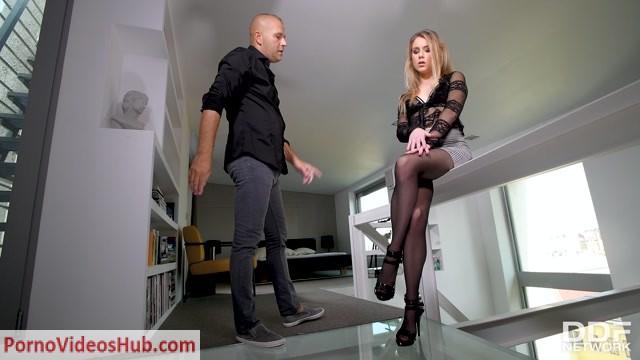 Watch Online Porn – DDFNetwork – HotLegsAndFeet presents Alecia Fox in Pantyhose Footjob Treat – 18.12.2018 (MP4, FullHD, 1920×1080)