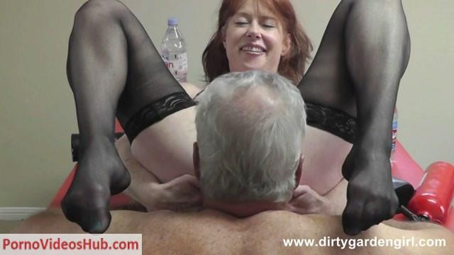 DirtyGardenGirl_presents_2013-10-16_-_BONUS_The_Puppet_Show.mp4.00014.jpg
