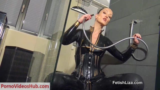 Fetish_Liza___Sexy_Wet_Latex_Catsuit.mp4.00015.jpg