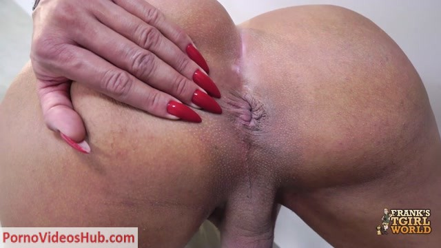 Franks-tgirlworld_presents_The_Sexual_Lara_Rubia__-_11.12.2018.mp4.00008.jpg