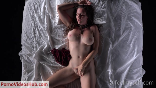 Watch Online Porn – IFeelMySelf presents 25.11.2018 feel through 1 by Alice G (MP4, FullHD, 1920×1080)