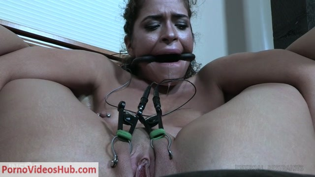 InfernalRestraints_presents_Victoria_Voxxx_in_The_Boy_-_07.12.2018.mp4.00009.jpg