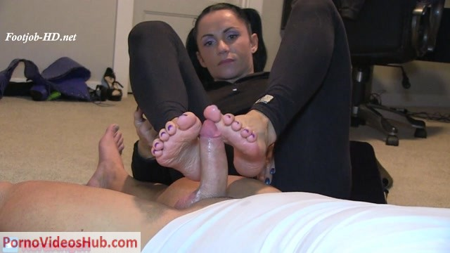 Watch Online Porn – Kora Angel – Footjob POV With Cumshot HOT (MP4, FullHD, 1920×1080)