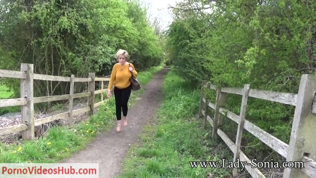 Lady-Sonia_presents_Lady_Sonia_in_2018.05.25_Braless_And_On_Show.mp4.00001.jpg