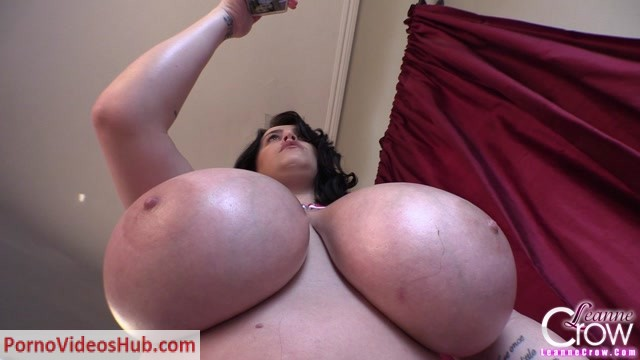 Watch Online Porn – LeanneCrow presents Leanne Crow in 4th Of July Pasties 1 (2015.07.03) (MP4, HD, 1280×720)