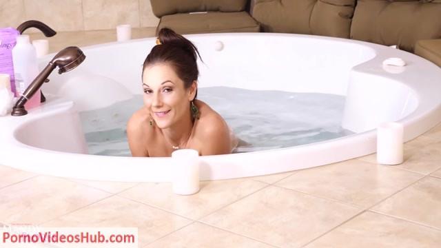 Watch Online Porn – Mandy Flores – Aunt Mandys Christmas Surprise (MP4, FullHD, 1920×1080)