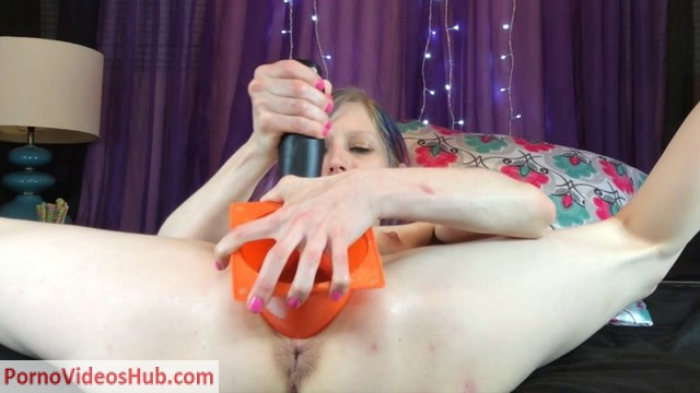 Watch Online Porn – ManyVids presents Ashley Mercy in Safety Cone Fisting (Premium user request) (MP4, FullHD, 1920×1080)