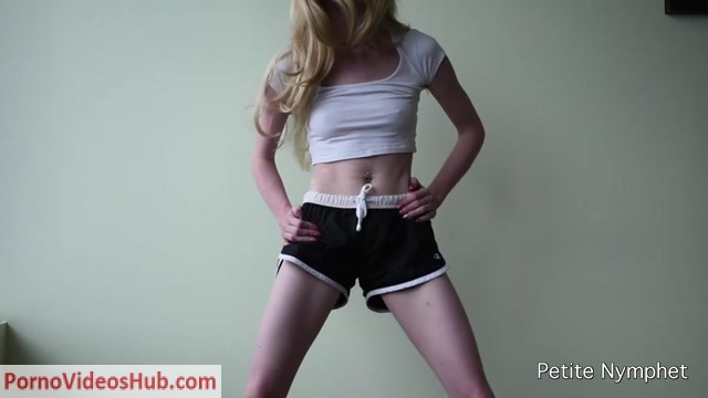 ManyVids_presents_Petite_Nymphet_in_booty_shaking.mp4.00010.jpg