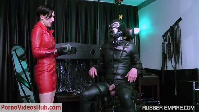 Watch Online Porn – Rubber-empire – Baroness Mercedes – Attack on his Crown Jewels! (MP4, HD, 1280×720)