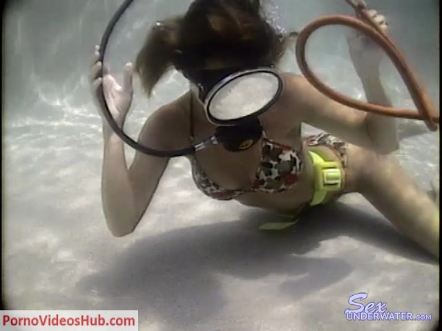 Watch Online Porn – SexUnderWater presents chantel scuba15k (MP4, SD, 640×480)