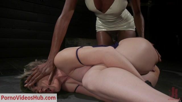 Watch Online Porn – TSPussyHunters presents Natassia Dreams, Dee Williams – Exquisite Anguish: Dee Williams Opens Up For Natassia Dreams – 17.12.2018 (MP4, HD, 1280×720)