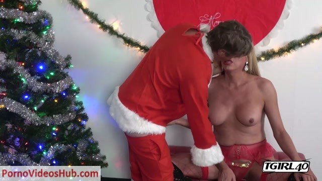 Watch Online Porn – Tgirl40 presents Fabiola's Christmas Hardcore! – 18.12.2018 (MP4, HD, 1280×720)