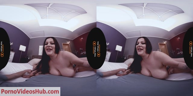 VirtualRealAmateurPorn_presents_Anissa_Jolie_in_Wrong_Bed_-_04.12.2018.mp4.00008.jpg