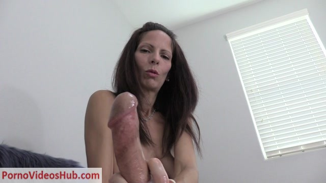 Watch Online Porn – Wife Crazy Clip Store – Rings Around the Cock Handjob (MP4, HD, 1280×720)