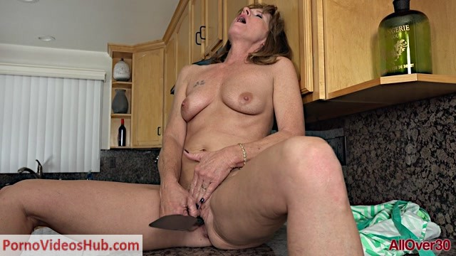 Allover30_presents_Cyndi_Sinclair_51_years_old_Mature_Housewives___08.01.2019.mp4.00015.jpg