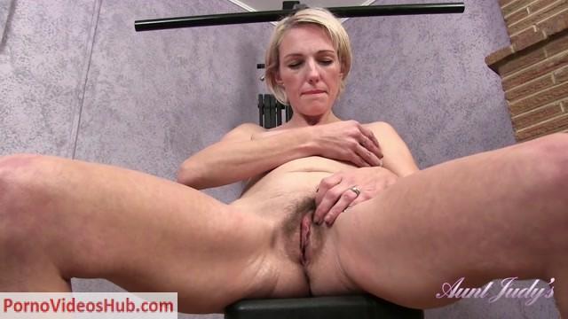 Watch Online Porn – AuntJudies presents Skyler (MP4, FullHD, 1920×1080)