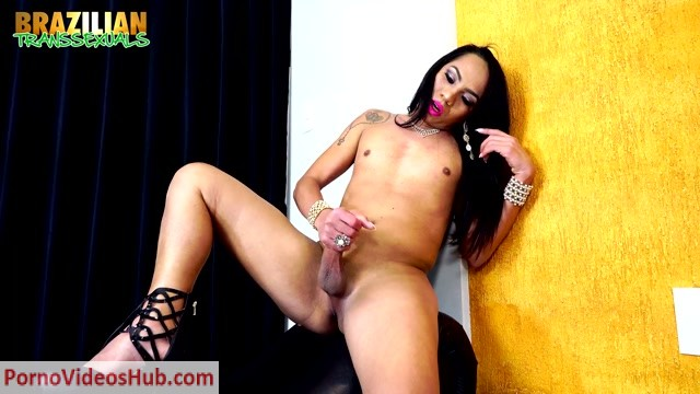Watch Online Porn – Brazilian-transsexuals presents Isabelly Nogueira – 24.01.2019 (MP4, HD, 1280×720)