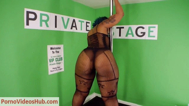 ChocolateModels_presents_02._Candy_Da_Body_2_Black_Outfit_on_Dance_Stage.mp4.00004.jpg