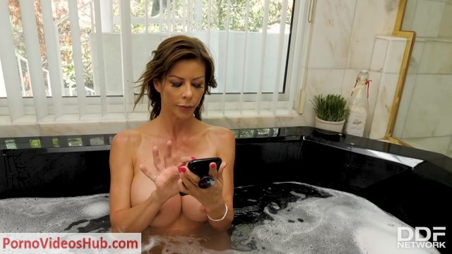 Watch Online Porn – DDFNetwork – HandsOnHardcore presents Alexis Fawx in Two Cocks For Her – 19.01.2019 (MP4, FullHD, 1920×1080)
