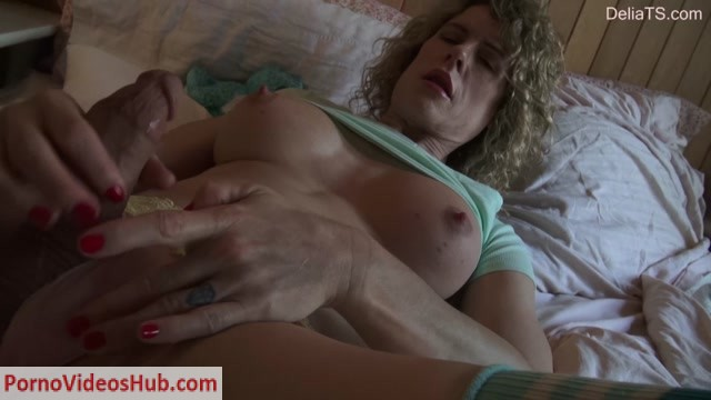 Watch Online Porn – Deliats presents Delia TS – Crop Top & Cum Through Curtains – 20.01.2019 (MP4, HD, 1280×720)