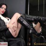 Goddess Alexandra Snow – Tongue Polish
