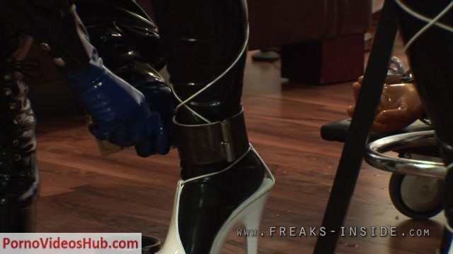 Latex_Porn___8030_-_An_Ordinary_Day_-_Part_Three_-_Lady_Seraphina___Mercedes.mov.00003.jpg