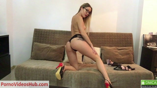 ManyVids_presents_EleanorWild_in_Noisy_ass_gapes__Premium_user_request_.mp4.00000.jpg