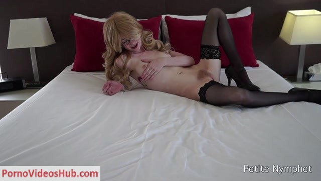 Watch Online Porn – ManyVids presents Petite Nymphet in hotel masturbation (MP4, FullHD, 1920×1080)