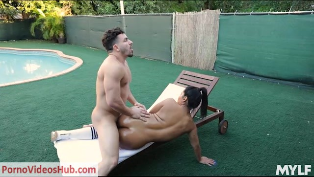 Mylf_presents_Rose_Monroe_in_X_Rated_Exercise___16.01.2019.mp4.00013.jpg