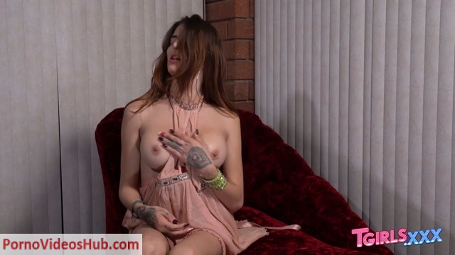 Watch Online Porn – Tgirls.xxx presents Superstar Vixxen Goddess! – 17.01.2019 (MP4, HD, 1280×720)