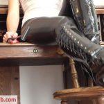 Young Goddess Kim – Desk Boot Slave