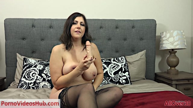 Allover30_presents_Jasmine_S_33_years_old_Ladies_With_Toys___21.02.2019.mp4.00004.jpg