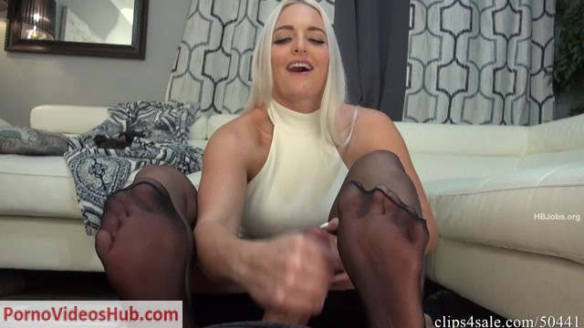 Watch Online Porn – Bratty Babes Own You – Caught Staring At Aunt Macy s Sleepy Feet Footjob HD (MP4, FullHD, 1920×1080)