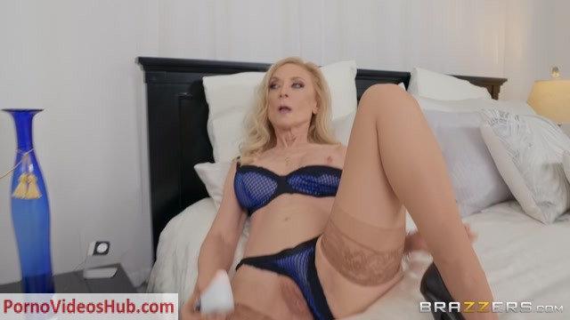Brazzers_-_MilfsLikeItBig_presents_Nina_Hartley_in_Mom_Stole_My_Boyfriend___27.02.2019.mp4.00000.jpg
