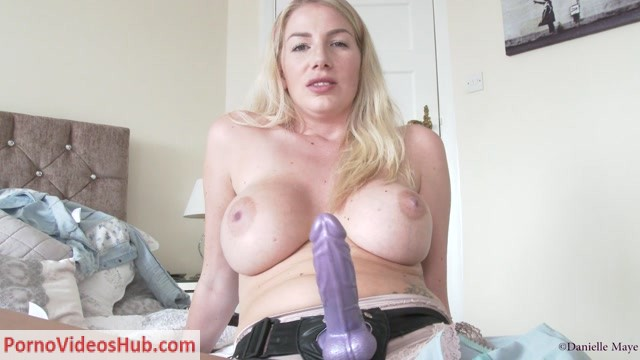 Watch Online Porn – Danielle Maye – Panty Sniffing Brother (MP4, FullHD, 1920×1080)