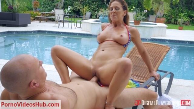 Watch Online Porn – DigitalPlayground presents Cherie DeVille in Soaking Up The Cum (MP4, FullHD, 1920×1080)