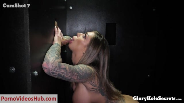 GloryHoleSecrets_presents_Karma_Rx_in_Karma_s_First_Gloryhole_Video___22.02.2019.mp4.00008.jpg