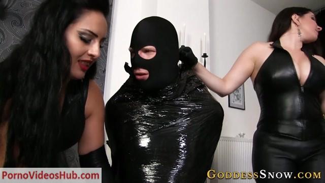 Watch Online Porn – Goddess Alexandra Snow, Mistress Ezada Sinn – Wrapped in Black (MP4, FullHD, 1920×1080)