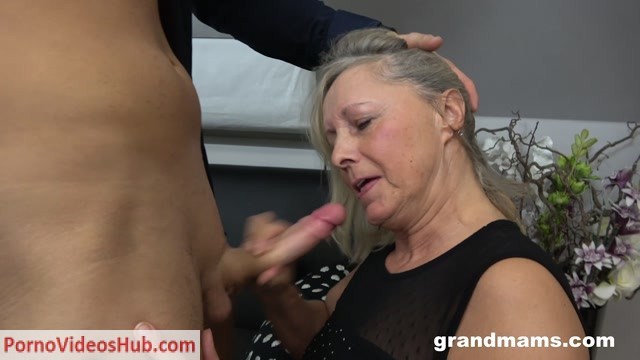 GrandMams_presents_Old_Blond_Whore_Enjoying_Young_Gigolo.mp4.00009.jpg