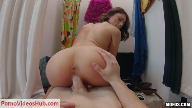 IKnowThatGirl_presents_Liv_Wild_in_Thrifty_Pussy___24.02.2019.mp4.00012.jpg