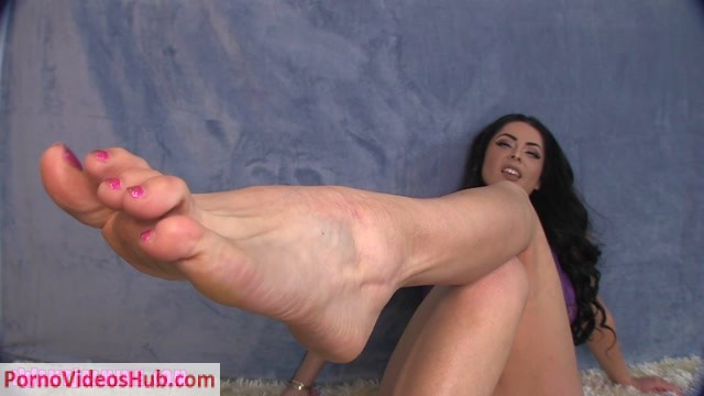 Jasmine_Mendez_-_Cancel_your_Plans_Footboy.mp4.00014.jpg