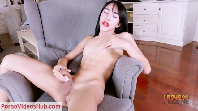 Watch Online Porn – Ladyboys.xxx presents Lada Reaches A Shuddering Orgasm! – 08.02.2019 (MP4, HD, 1280×720)