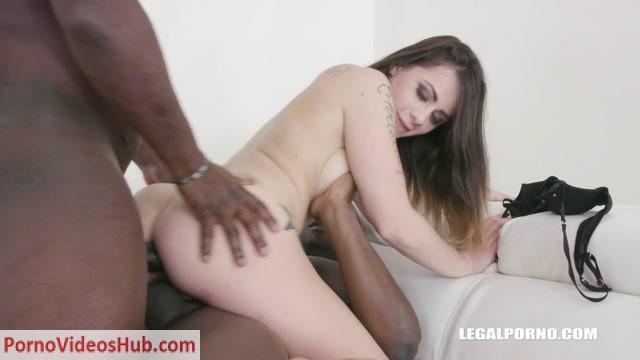 LegalPorno_presents_Giorgia_Roma_loves_sex_mix_with_golden_shower_IV275___25.02.2019.mp4.00007.jpg