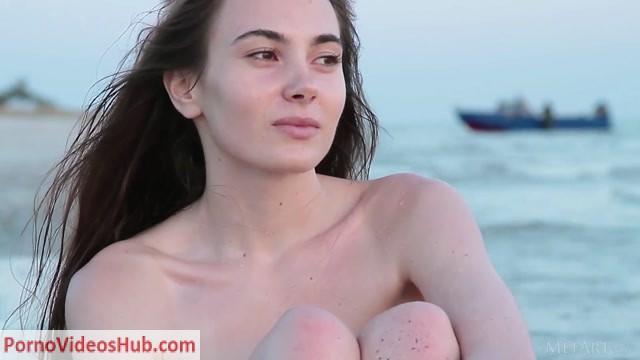 Watch Online Porn – MetArt presents Lola Cherie in Spreading Wings – 03.02.2019 (MP4, FullHD, 1920×1080)