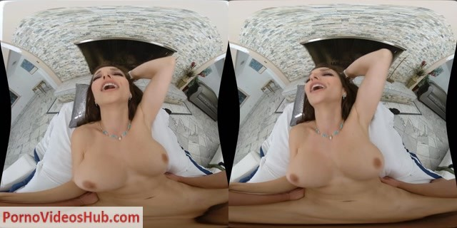 Watch Online Porn – MilfVR presents Lexi Luna in Dry Ink, Wet Pussy (MP4, UltraHD/2K, 3200×1600)