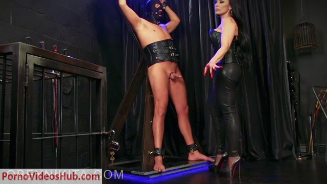 Watch Online Porn – Mistress Nikita – So Weak For My Nails (MP4, FullHD, 1920×1080)