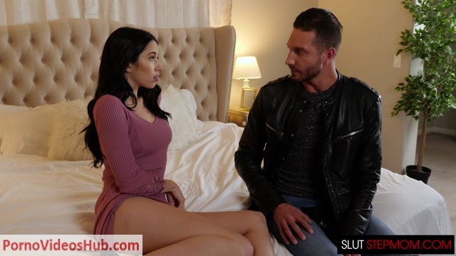 NaughtyAmerica_-_SlutStepMom_presents_Alex_Coal___Reagan_Foxx___22.02.2019.mp4.00001.jpg