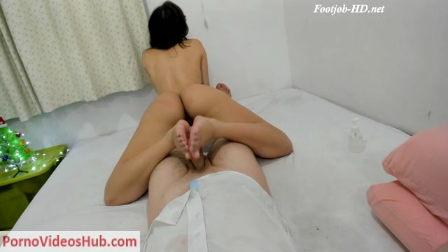Watch Online Porn – Petit Girl Foot Job – Zattorafa (MP4, FullHD, 1920×1080)