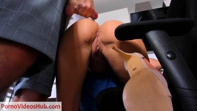 Watch Online Porn – PornHubPremium presents BehindTheMaskk – Amateur Blow Job In Kitchen – Cumshoot On Young Girl (MP4, FullHD, 1920×1080)
